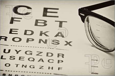 Vintage-Eyechart-959102