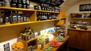 lush-fresh-handmade-cosmetics-store-photo-India